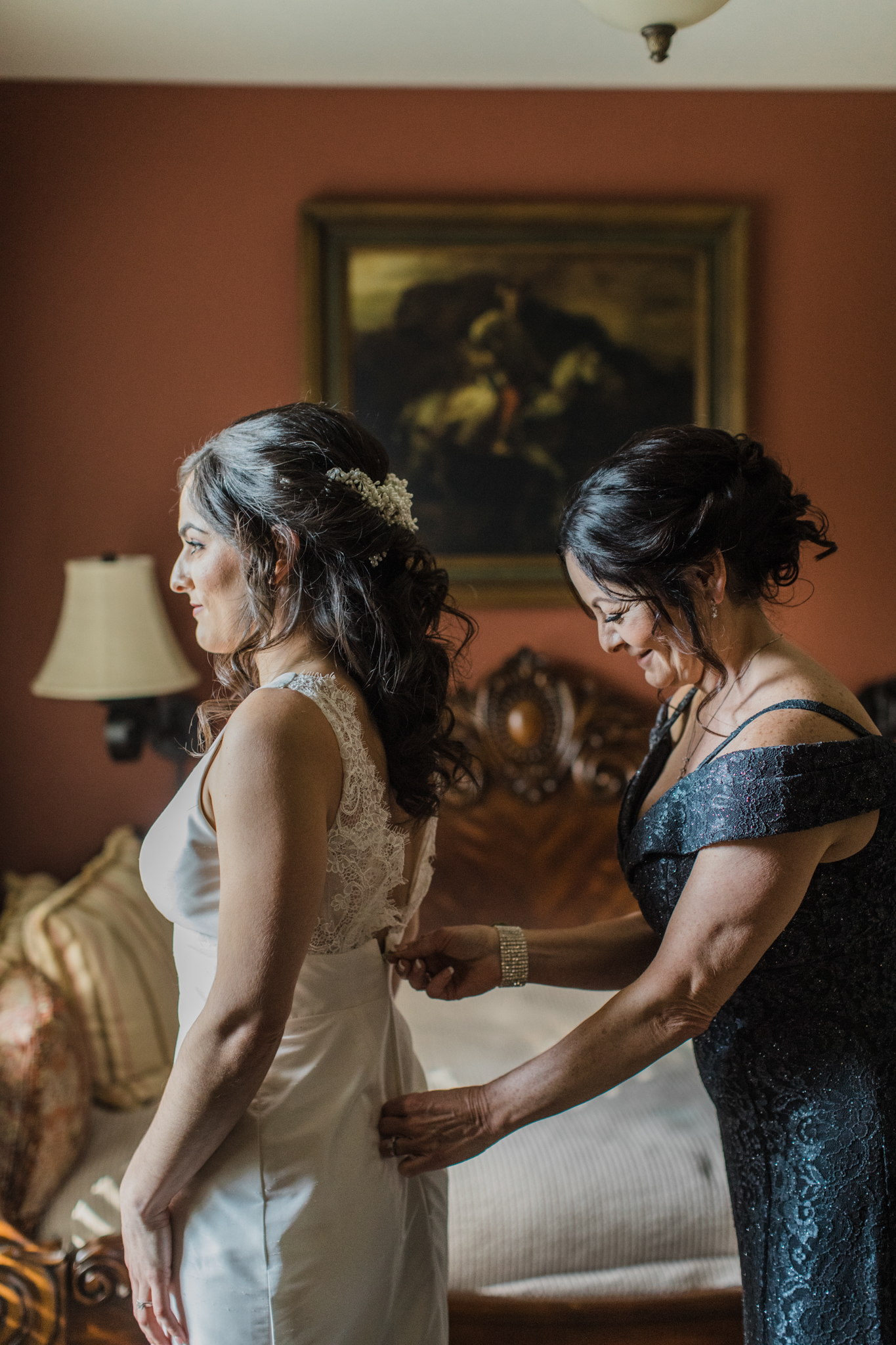 Bride getting ready at Sanford House