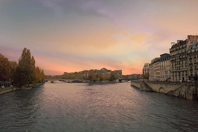o Sena em Paris