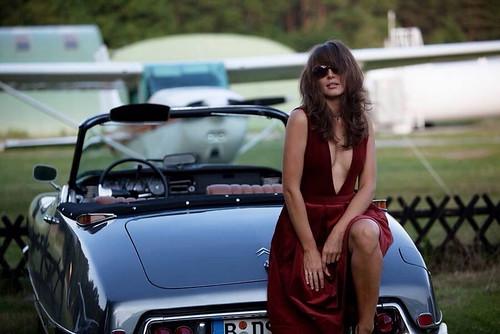 Citroen DS Girls & Cars Photo 6