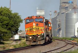 BNSF 505 Larimore 30 Jul 06