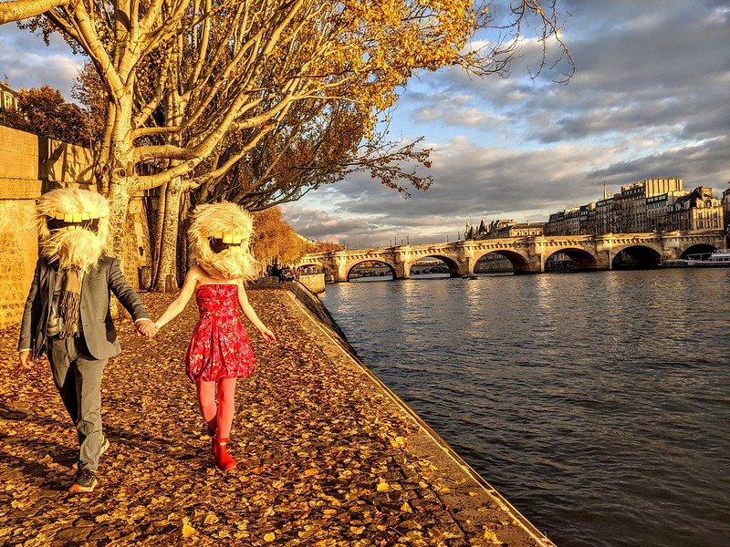Sunset walk along the Seine