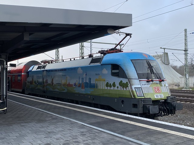 182 002 in Magdeburg Hbf