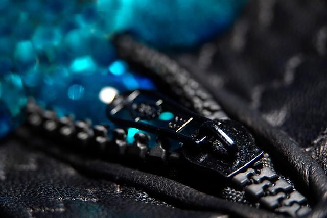 Light zipper HMM