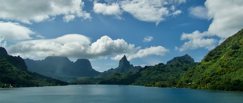 mer sea lagon lagoon landscape lumière paysage tahiti moorea opunohu baie bay bleu nature panorama nuages cloud cielnuages ile polynésie pacifique panoramic nikonb700 coolpix c nikon nikonpassion paisaje paesaggio