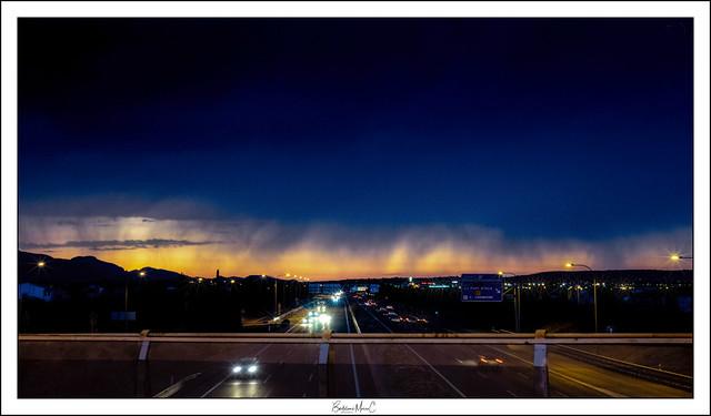 De regreso a casa. Amanecer extraño en la autopista Palma-Inca (10-07-2018)