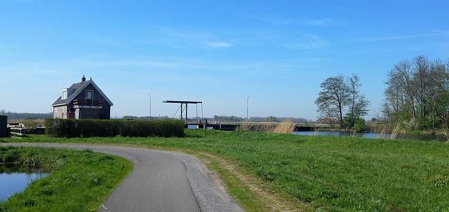 Het huis bij de brug