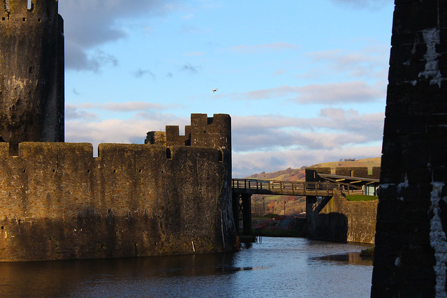 caerphilly castle bridge