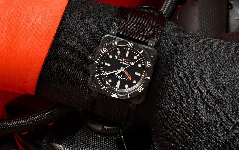 Banner-BR-03-92-diver-black-matte-2