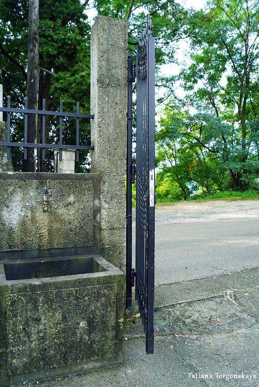 Кран у городского кладбища