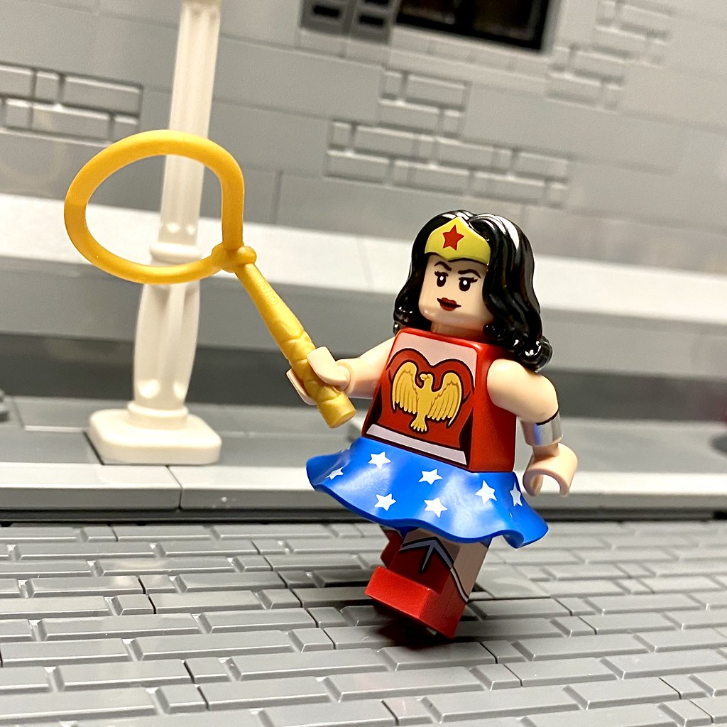 Lego Wonder Woman From Lego Collectible Minifigures Series Flickr