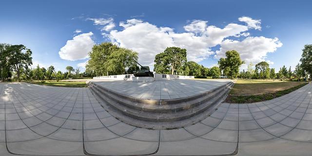 Sowjetisches Ehrenmal (360 x 180)