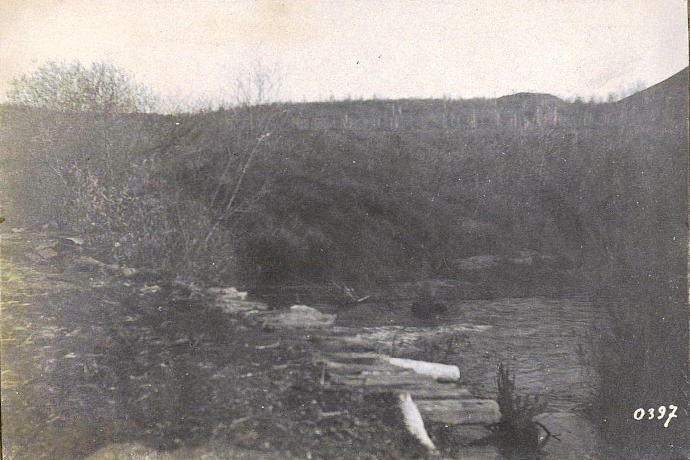 397. Тропа по плотине через Гуран