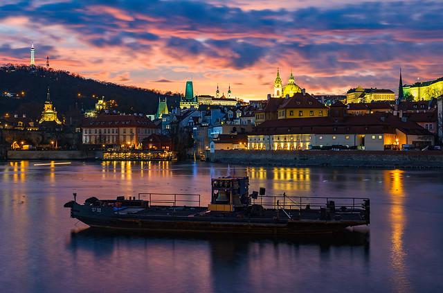 Praha po západu slunce