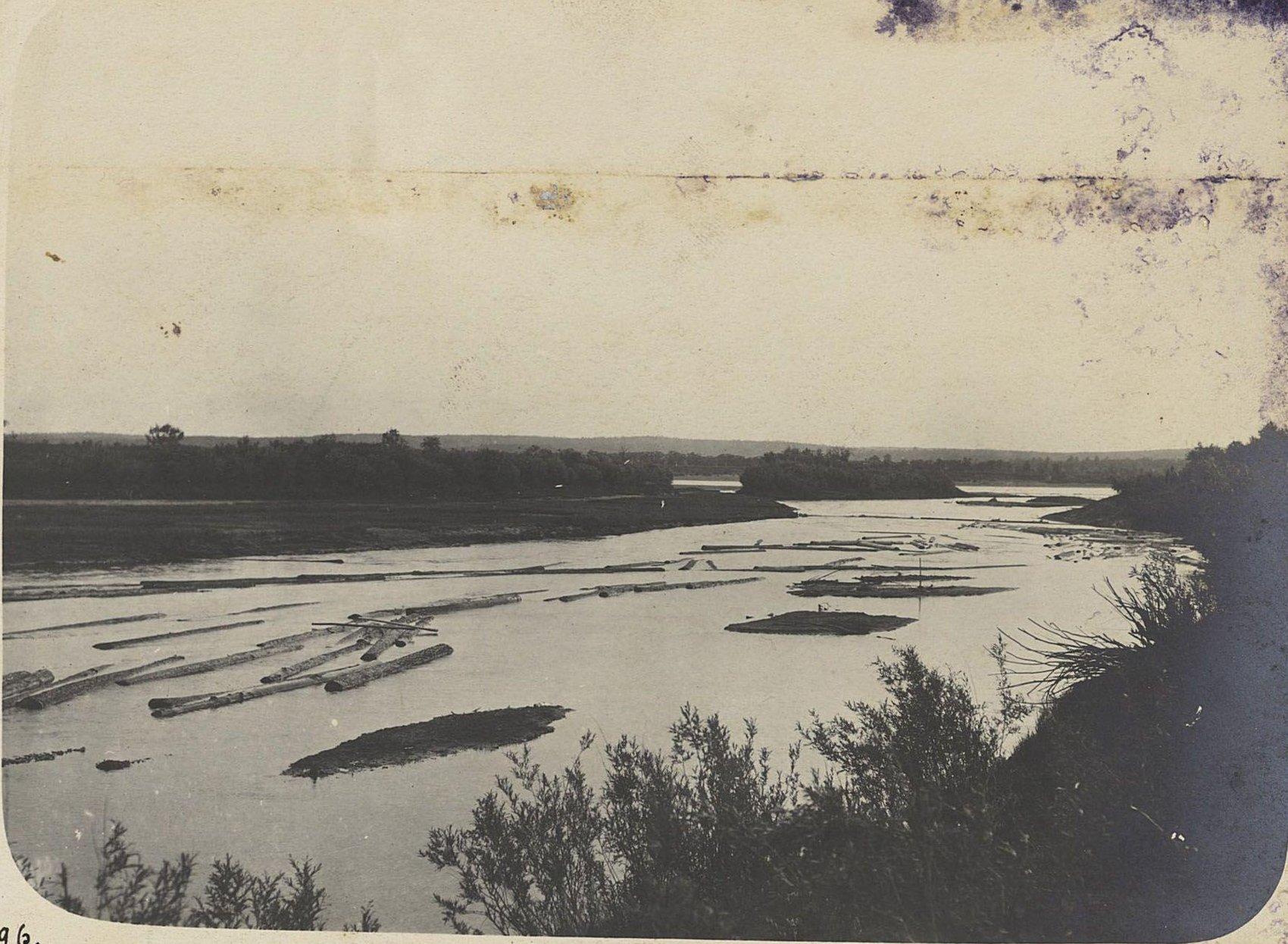 1596. У Известковой пади, в версте от устья реки