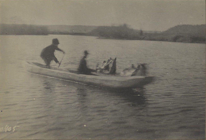 405. Переправа на боту через реку Буринду