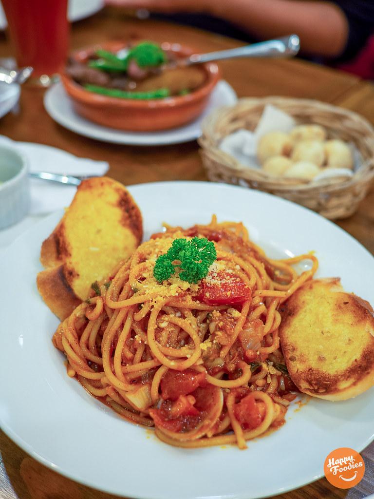 Seafood Marinara Pasta (P250)