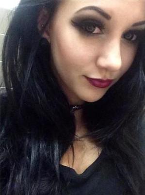 Julia looks like Snow White