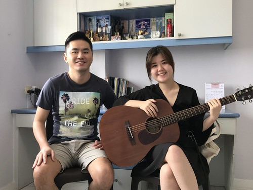 1 to 1 guitar lessons Singapore Vanessa