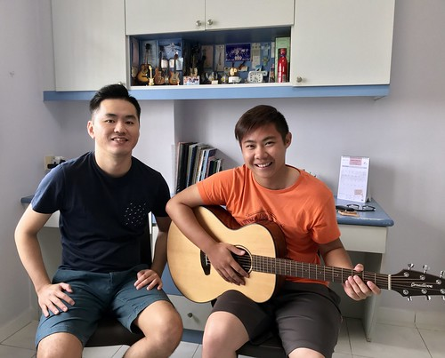 Guitar lessons Singapore Qi Ming