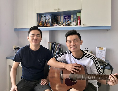 Beginner guitar lessons Singapore James