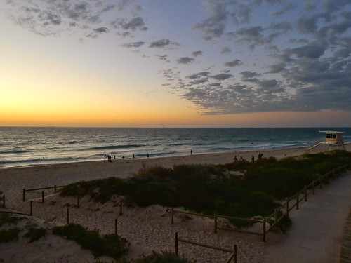 strand beach scarborough perth dusk clouds dctz90 lumix panasonic dunes duinen sunset australia wolken zonsondergang zee sea indian ocean idische oceaan baywatch