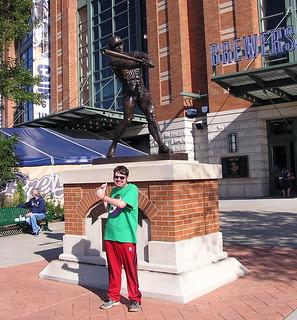 Robin Yount Statue