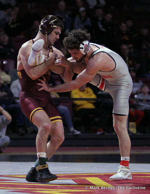 149: #6 Sammy Sasso (Ohio State) dec.#4 Brayton Lee (Minnesota) 4-2. 200126AMK0192