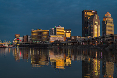 i64 kentucky louisville portlandcanal us150 downtown dusk goldenhour riverfront sunset