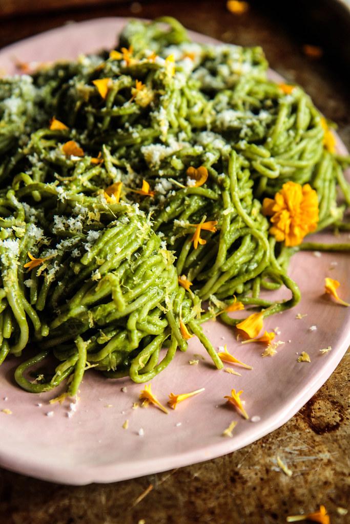 Creamy Kale Pasta (vegan and gluten-free) from HeatherChristo.com
