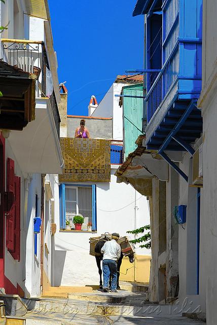 Καθημερινότητα στην Χώρα της Σκοπέλου  Daily routine at Skopelos Chora