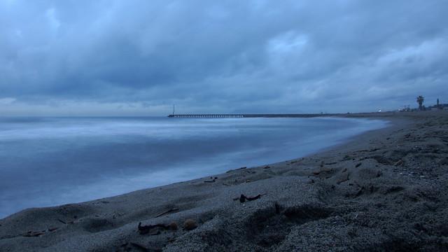 La spiaggia ed il pontile a Cinquale di Montignoso