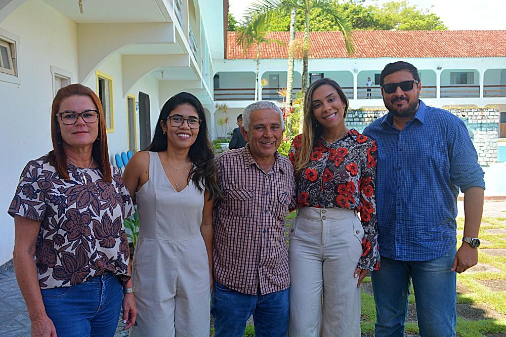 Jalene Fernandes (Finanças), Andressa Bueno (Administração), os vereadores, Robério e Jorginho, Emelly (Social) e Igor Lago (Agricultura)