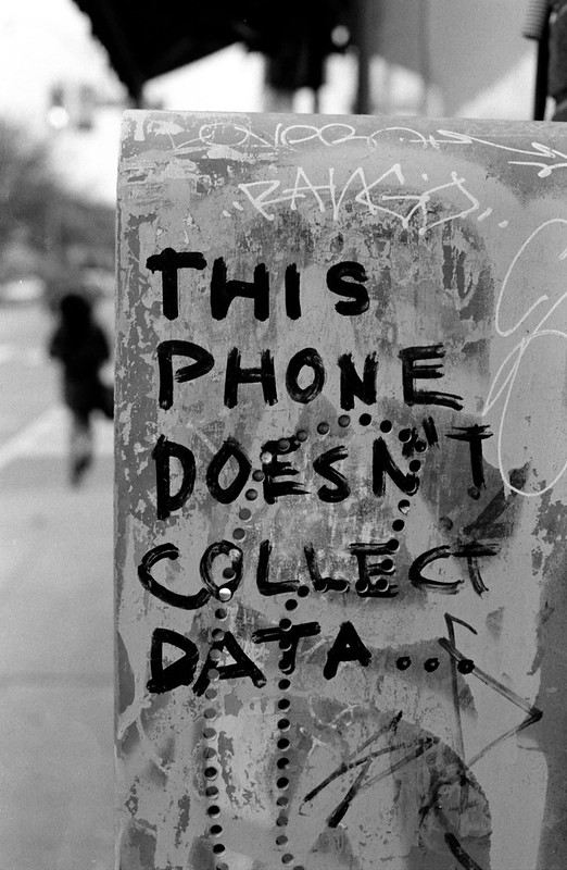 This Phone Does Not Collect Data