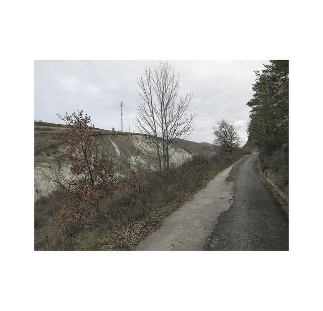 Walking towards Mount Miravalles. Villava.