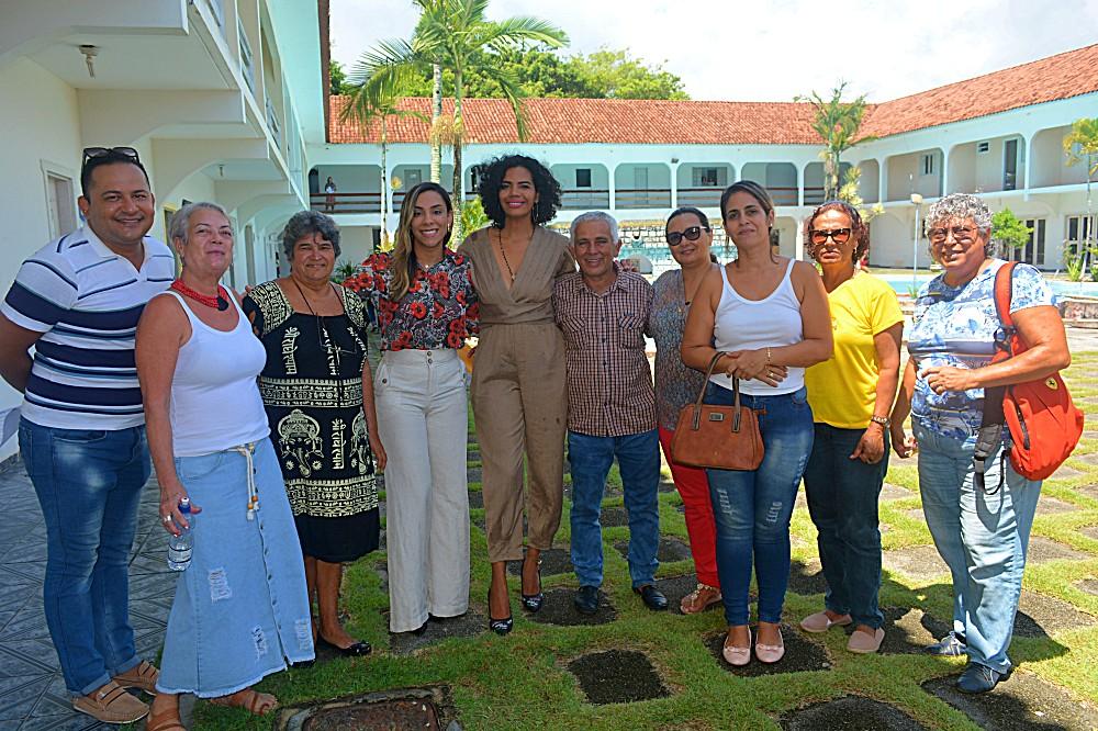 Nova secretária e a equipe de desenvolvimento social do Prado