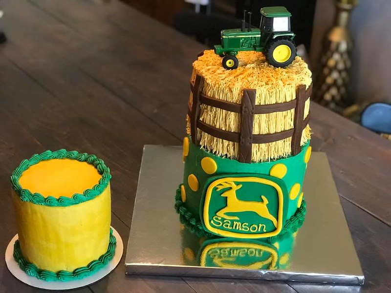 Cake by Rebecca Matter-Putman of Beckylicious Cakes