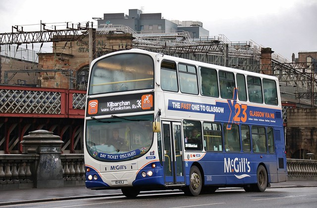McGill's of Greenock 10 KXJ (I6901; ex-LJ05 BMV) | Route 38 | Glasgow Bridge, Laurieston
