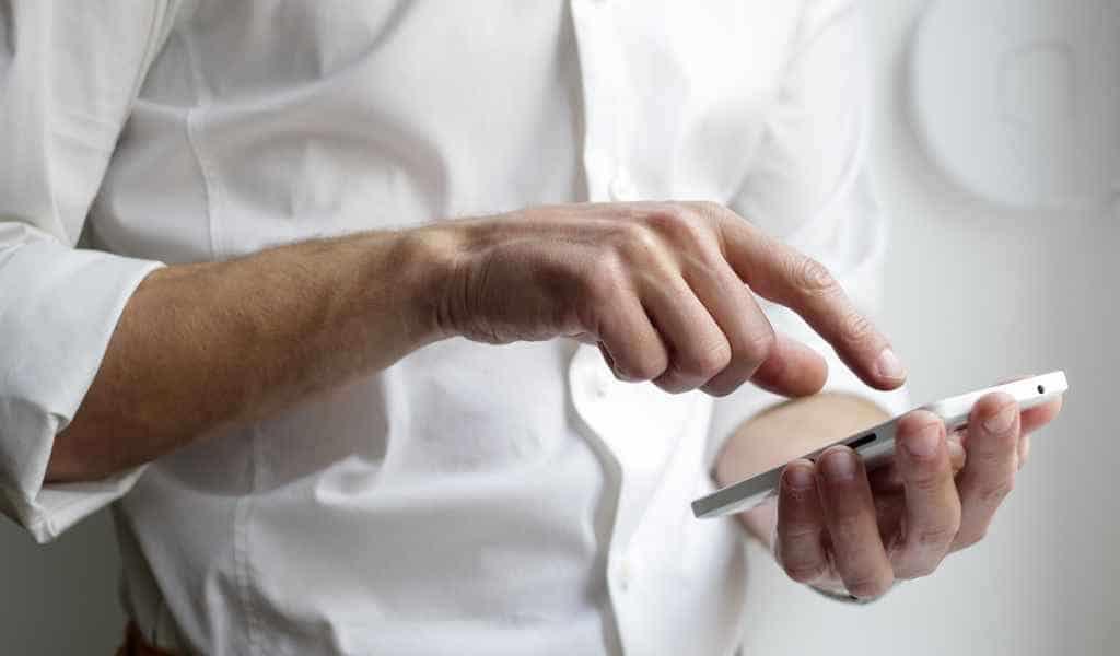 les-écrans-tactiles-des-smartphones-peuvent-être-imprimés-comme-un-journal