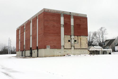 abandonedbuilding snow winter blotonthelandscape 120picturesin2020