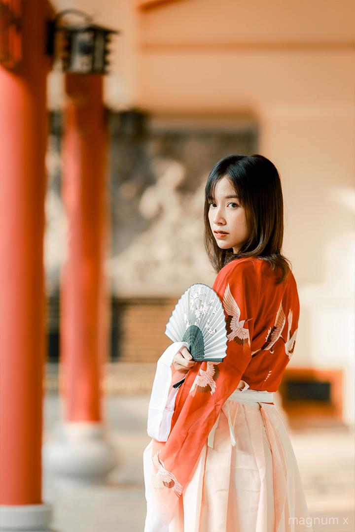 ภาพถ่ายน้องมัดหมี่ โทนส้มจีน แต่งด้วย Lightroom มือถือ