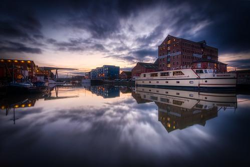 boat docks gloucesterandsharpnesscanal gloucesterdocks gloucester gloucestershire canal sunset hdr 5xp d7100 warehouse