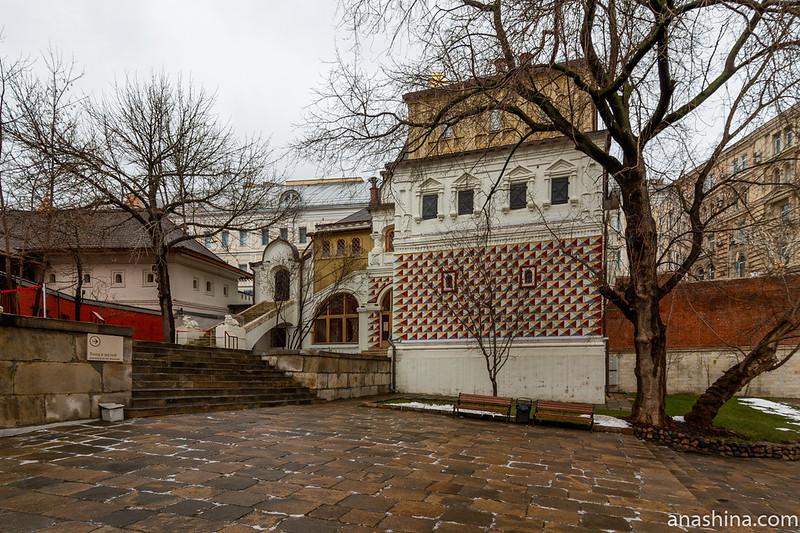 Палаты бояр Романовых в Москве, XVI-XVII века