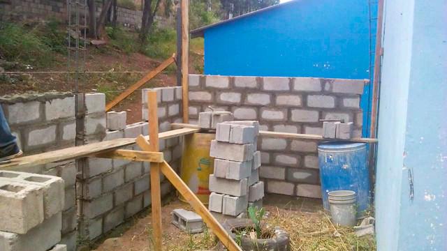Avances en la reconstrucción del comedor infantil de la Escuela José Pineda Gómez