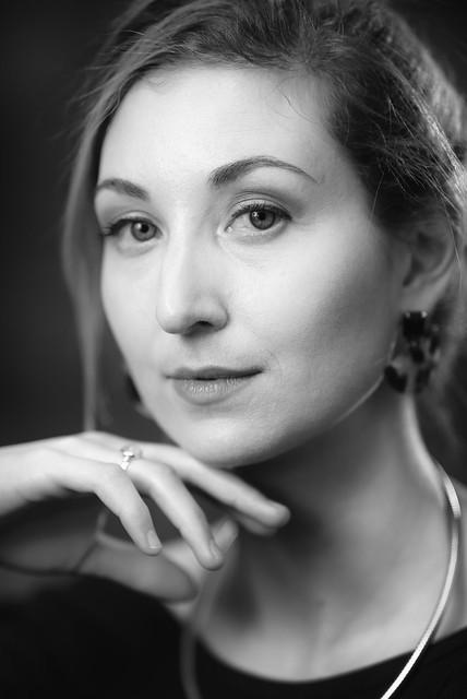 Angela Mono