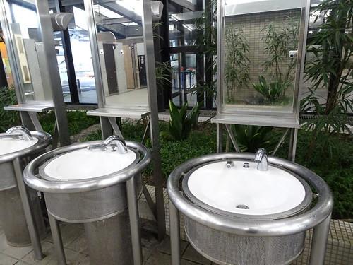 新倉PAのトイレ
