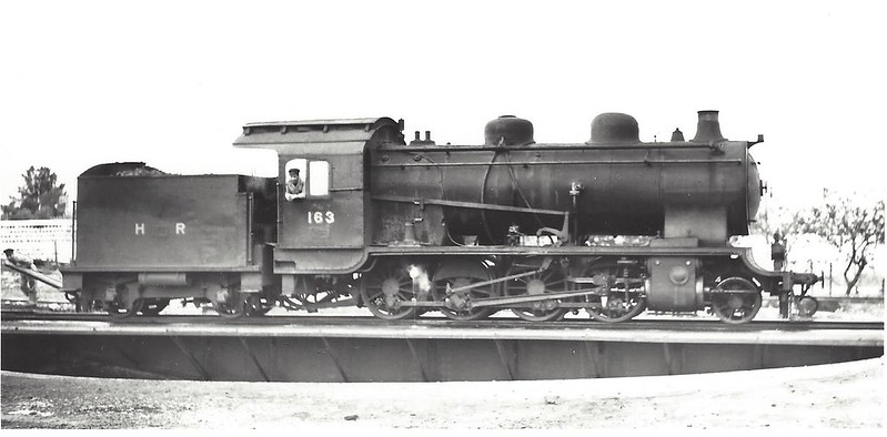HR-Borsig-2-8-0-No-163-Samakh-turntable-1942-hri-1