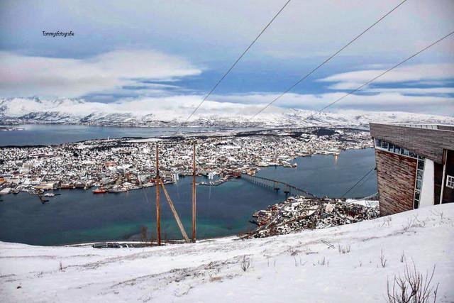 On top of Fjellheisen in Tromsø, best place to see over Tromsø