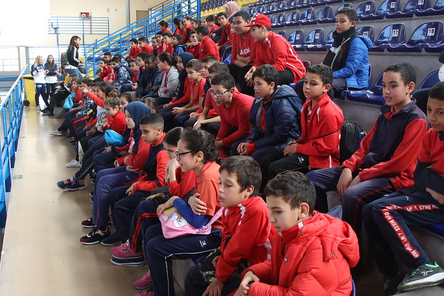 SOCIAL | Los alumnos del CEIP León Solá conocen al primer equipo