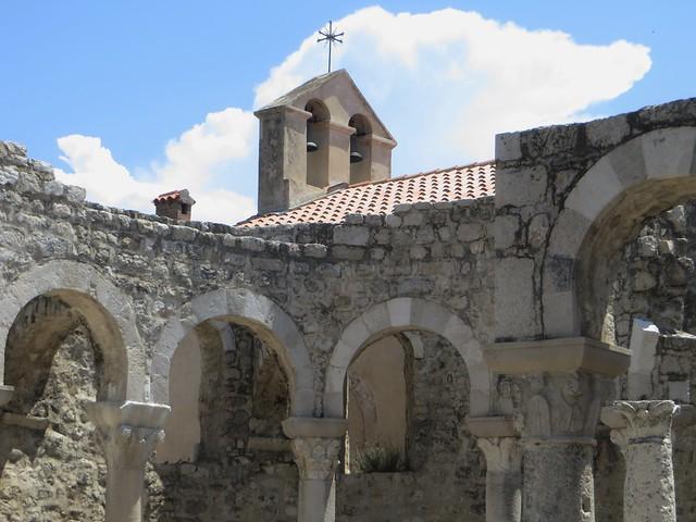 Ruines de la basilique St Jean (VIe-VIIe), Rab, île de Rab, Comitat de Primorje-Gorski Kotar, Croatie.