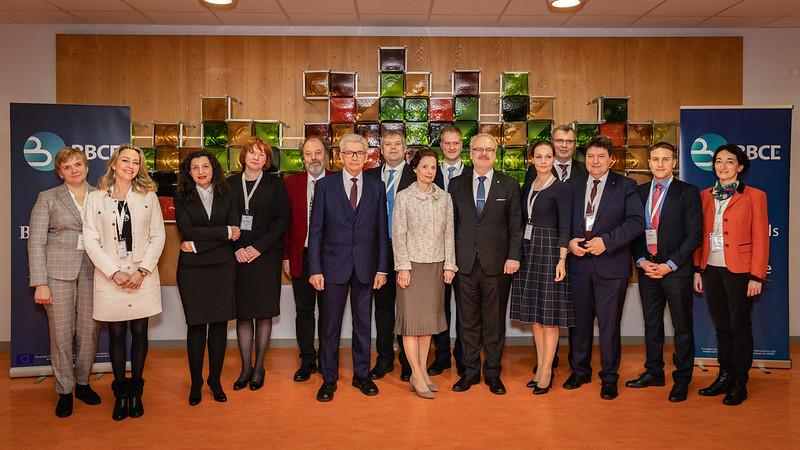 Svinīgi atklāj Baltijas Biomateriālu ekselences centra projektu